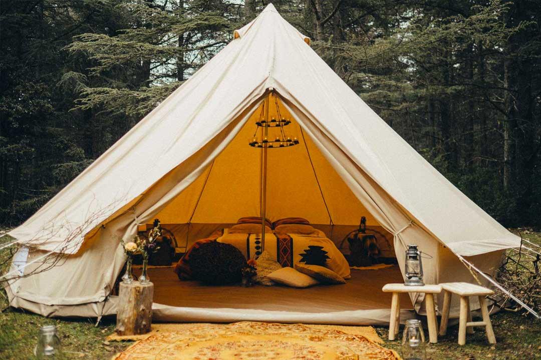 location tente mariage en exterieur mon wedding camping. Black Bedroom Furniture Sets. Home Design Ideas