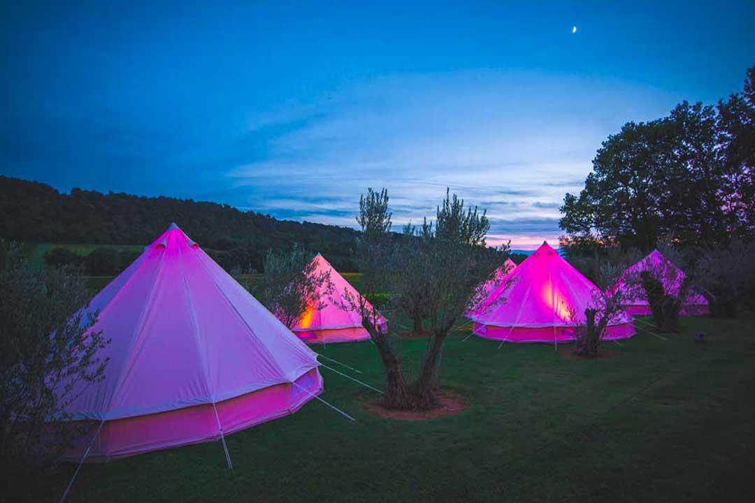 location tente mariage week end mon wedding camping. Black Bedroom Furniture Sets. Home Design Ideas