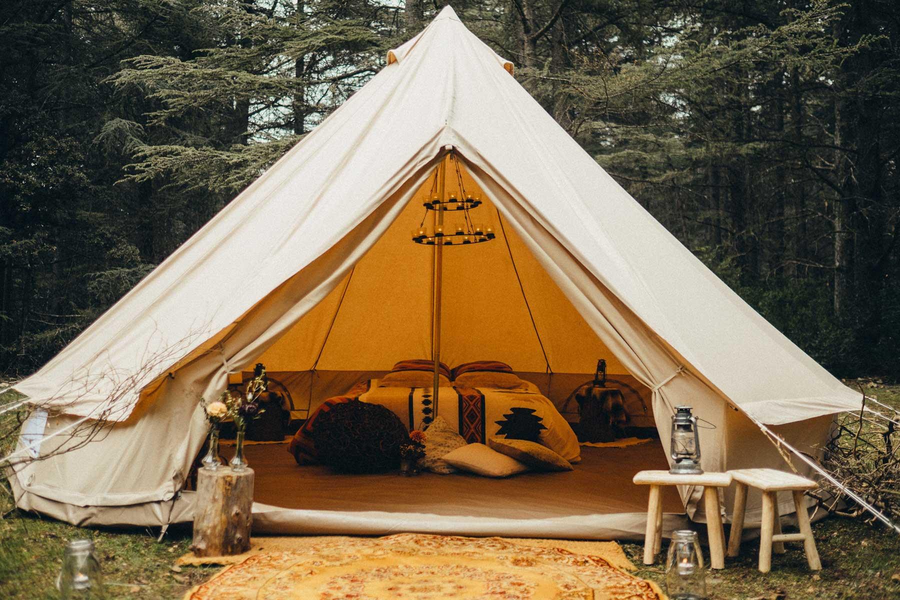 location tente mariage wild mon wedding camping. Black Bedroom Furniture Sets. Home Design Ideas