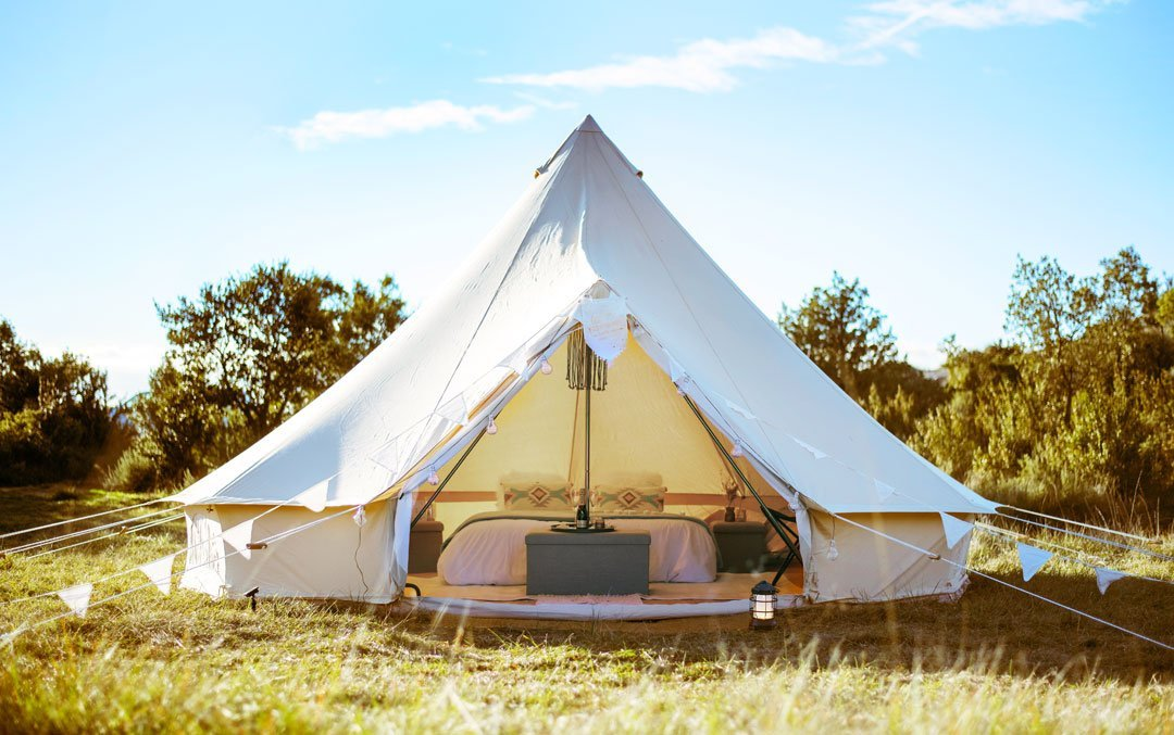 rent young married wedding tent 1-rental tent wedding bride and groom