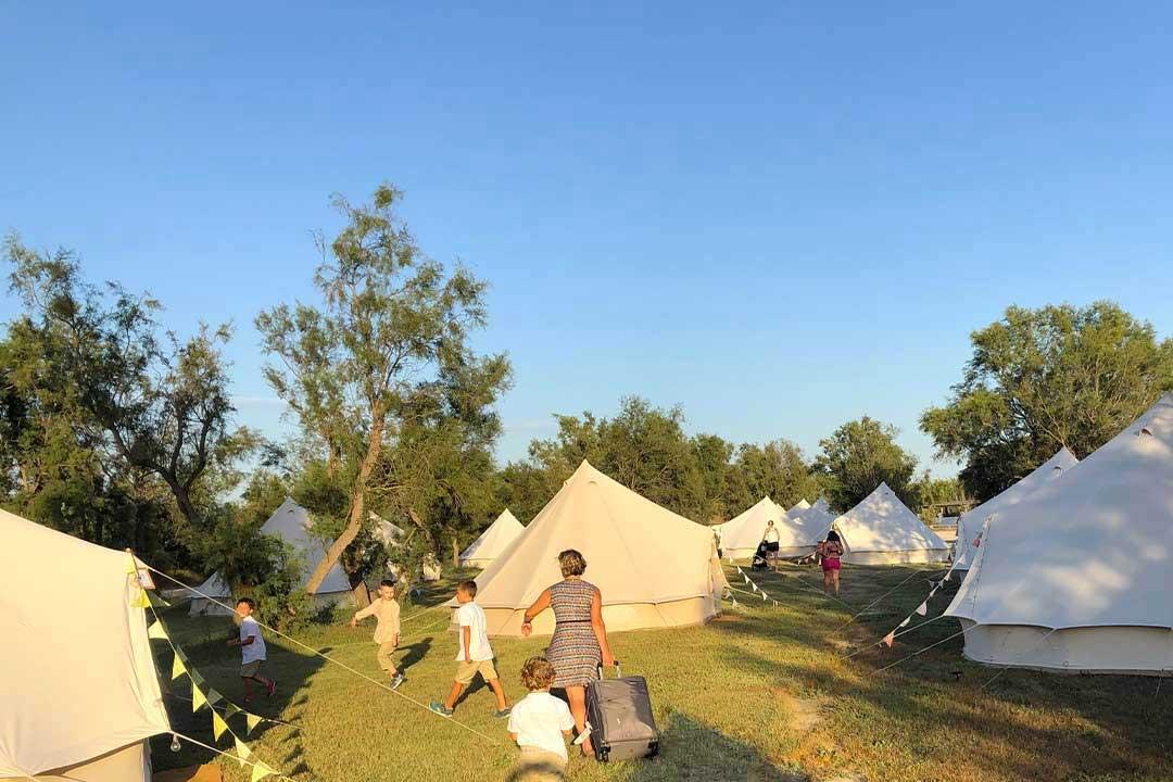 wedding camping invite au meme endroit mariage 1 - 5 bonnes raisons d'installer un Wedding Camping
